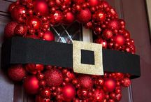 Holiday Window/Door Decorations / Find the perfect Wreath, Window Decorations, what-have you for the holidays