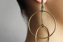 Earrings / various