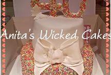40th 2 tiered female birthday cake