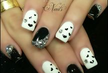 Black and White nails / by Yadira Baez