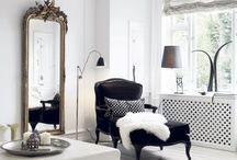 Chic Surroundings / by Taryn Cooper