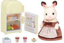Sylvanian Families Zestaw z Mamą Królików z Czekoladowymi Uszkami (Lodówka) / Wyjątkowe zabawki dla dzieci marki Sylvanian Families