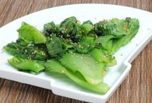 Best Recipes Using Gai Choy / Asian Mustard Greens, aka Chinese mustard greens or mustard cabbage. Hearty, crunchy green with a mustardy, peppery bite that becomes milder with cooking. Some think it tastes like a cross between broccoli rabe, arugula, Belgian endive and cabbage, with the pungency of mustard greens. Try it!
