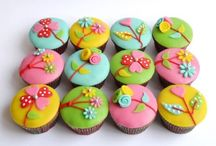 Spring cupcakes and cookies