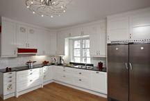 Kök - Profilerade Luckor / Kök och köksluckor med köksluckan Anna och Anna Antik tillverkade av Novaflex Inredningar AB