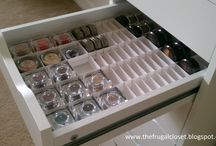 Makeup Storage Inspiration / Much OCD. Very organise. Wow.