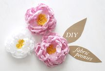 PAPER/FABRIC FLOWERS