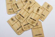 Biglietti da Visita in legno / Biglietti da Visita in legno, incisi a laser, di spessore 0,6 mm, 1,5 mm e 3 mm. info@dex-druk.pl
