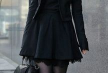 Siyah giysiler