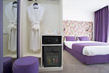 Nos Chambres / La Villa Bohème vous propose de découvrir ses chambres Double Confort, Double Supérieur, Twin Confort et Twin Supérieur, aux couleurs variées afin de vous laisser le choix de l'univers qui vous convient pour passer un séjour dans un cadre imaginé pour vous. Les 23 chambres de l'Hôtel Villa Bohème Paris sont équipées de double-vitrage, de télévisions par satellite et de téléphones avec prise modem. Nos salles de bains disposent d'un vaste choix de produits d'accueil. / by La Villa Bohème