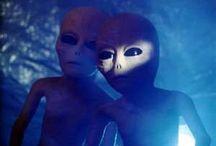 EEEK!!! / Paranormal junk and Alien stuff... Anything weird or creepy!