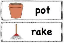 Skole/ førskole ord / Ord med bilde. Skriv ut, klipp ut og heng på veggen i klasserommet, barnerommet eller i barnehagen.