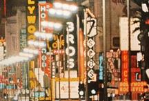 America, America ! / cow-boys et indiens, Hollywood, New-York, Far West, gratte-ciels, Harlem...