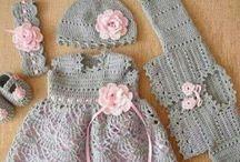 czapeczki, ubranka dla dzieci