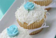 cupcakes & cakepops / by Belinda Herbert