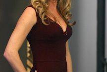Rebecca Romijn Style