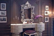 Vanity table make up