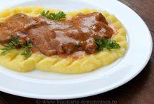 Mâncare cu carne de porc