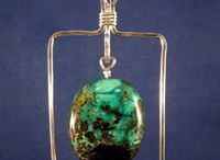 Jewelry: Wire Necklaces, Pendants, and Necklace Components / by Jill Duncan-Jack