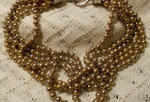 beautiful vintage accessories & jewelry