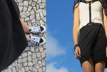 Look da Lidi: Saia e tênis / Look com saia de alfaiataria, blusa com gola preta e tênis adidas de cano alto!