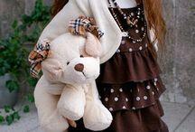 Angela Sutter - meisje met bruine ogen en lang haar