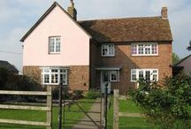 Local Accommodation / Accommodation close to Bassmead Manor Barns.