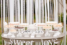 Wedding - Sweets and Dessert Tables  / by Emanuelle Missura