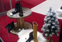 Wystawy sklepowe w salonach obuwniczych Apia, / #zima w naszych #sklepach wystawa sklepowa #VM