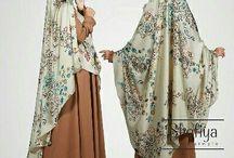 Jilbab syar i besar bunga