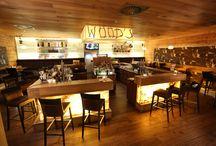 Wood's Cocktailbar / In unserer top-aktuellen Sommer-Cocktailkarte finden Sie die lässige und einzigartigen Kreationen der Wood's Bar. Diese Drinks sollen Ihnen den traumhaften Sommer zwischen den Bergen Hinterglemms schmackhaft machen und dazu animieren, die Seele baumeln zu lassen. Da wir unser Handwerk lieben und verstehen, dürfen auch gerne spezielle Getränkewünsche geäußert werden – wir erfüllen diese selbstverständlich gerne.