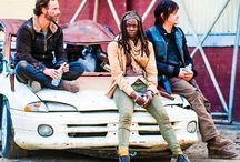 TWD: Behind the Scenes and Cast / by Krystle Ross-Yarbro