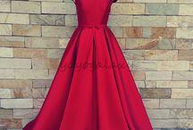 Kırmızı balo kıyafetleri