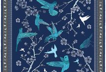 Amazilia / This stylish silk pocket square by Robertto's is emblazoned with a hummingbird motif, and these delicately drawn creatures appear to flit across the silk, seeking nectar from the flowers which blossom outwards from the design. Hummingbirds are tireless – they are constantly on the move, always taking what they need with pinpoint precision and effortless grace, while maintaining a beauty which is unique to this wonder of nature.