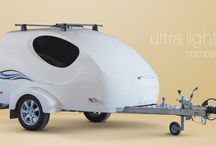 Wave Mini-Caravan / The model Wave is brand new. This ultra-light companion for your trips is environmentally friendly in terms of a minimum increase in fuel consumption. Its weight of only 190 kilograms makes it possible to attach the caravan to any vehicle, tricycle, quad bike or even motorbike equipped with a towing hitch. Anytime you feel like making a trip to relax, all you need to do is go. The sleeping compartment of the Wave is equipped with a double mattress and so you can enjoy camping for two.