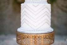 Cake plates / Cake plates / by Lois Zacharopoulos