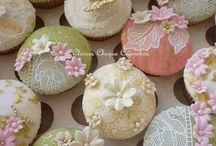 Cupcakes, cookies, minicakes, sweets y mas / by Auriluz Castillo
