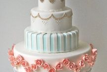 Cakes / by Leslie Green