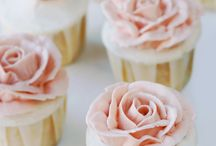 rose cakes, why so pretty? / Who knew there were so many?!?!