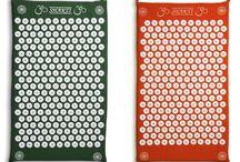 I tappetini Shakti Mat / I nostri tappetini Shakti Mat per l'agopressione. Aiutano a combattere il mal di schiena.