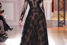 Női elegancia. / Alkalmi ruha.
