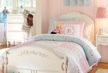 女の子のベッドルーム