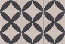 Papillon XL / Cementová dlažba i obklad Papillon XL ve formátech 20x20 cm a klasickém 17x17 cm. Každý kousek je originálem.  Pokochejte se zde, a pak se na Vás těšíme u nás vzorkovně Moskevská 24, Praha 10.