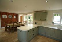 Kitchen Stori Jefferson Sage / Beautiful painted Kitchen with Mistral worksurfaces