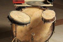 Antique drum set