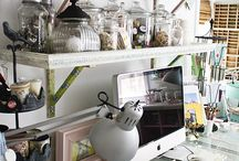 Old Doors & Windows / Nothing says farmhouse fabulousness like an old door re-purposed into something amazing. Take these simple ideas and get your creativity on.
