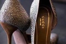 Zapatos / by Carolina Aguirre Mendoza