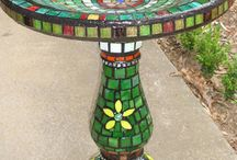 Inspiration: Mosaic Projects in the Garden