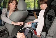 Seguridad infantil en el automóvil  / Viajar con niños en el automóvil con total seguridad