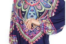 Plus - Printed Top with Keyhole Detail